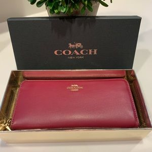 COACH BURGUNDY LEATHER BAG WALLET